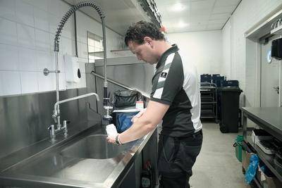 Legionellabeheersing: watermonsters laten nemen